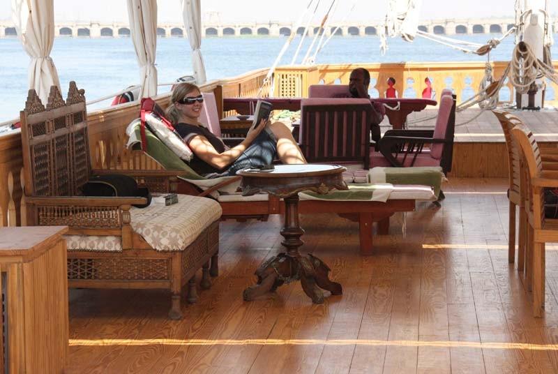 An Bord einer Dahabeya können Sie während Ihrer Nilkreuzfahrt herrlich entspannen