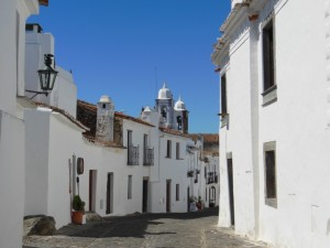 portugal-alentejo-dorf-frau