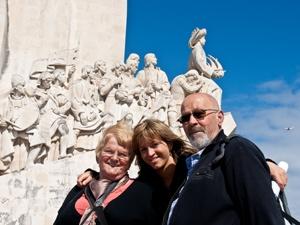 Ein Foto vor dem Denkmal der Entdeckungsreisenden