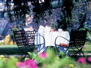 Gartenmoebel im Freien