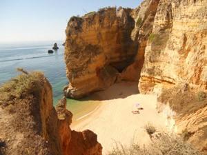 Felsenstrand an der Algarve