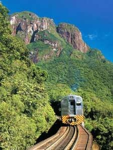 brazilie curitiba trein bergen