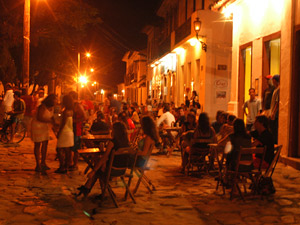 brazilie paraty avond
