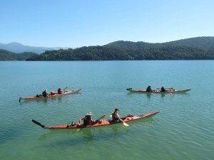 Brazilië familiereis - kayakken met kinderen