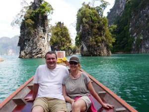 Mit dem Zug durch Thailand-Longtailboot