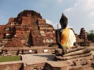 ayutthaya-buddha-umhang-tempel
