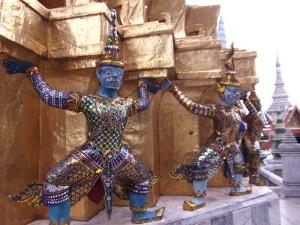 Figuren im Königspalast in Bangkok