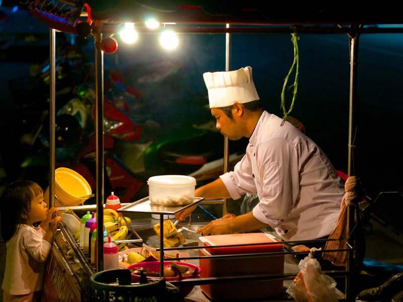 Eine Garküche in Chiang Mai