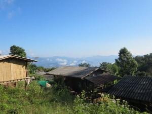 chiang-mai-trekking-bergdorf-huetten