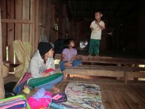 chiang-mai-trekking-einwohner-kinder
