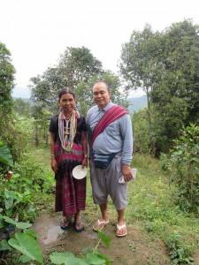 chiang-mai-trekking-guide-und-frau-bergstamm