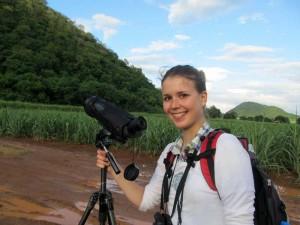 Mit dem Fernglas auf Tierbeobachtung im Khao Yai Nationalpark