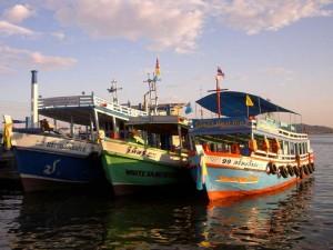 Boote vor Koh Chang