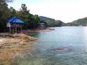 Hütten am Strand von Koh Chang bei Ranong
