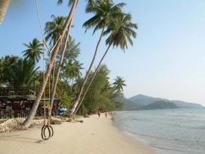 Palmen, Meer und Strand auf Koh Chang
