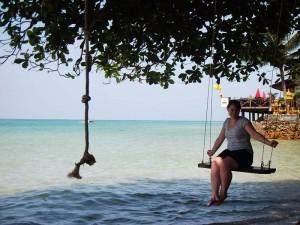 Thailand Rundreise und Badeurlaub - Schaukel am Meer und Strand von Koh Chang