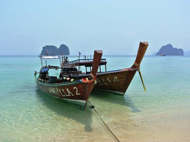 Inselhopping Thailand-Longtailboot auf Koh Ngai