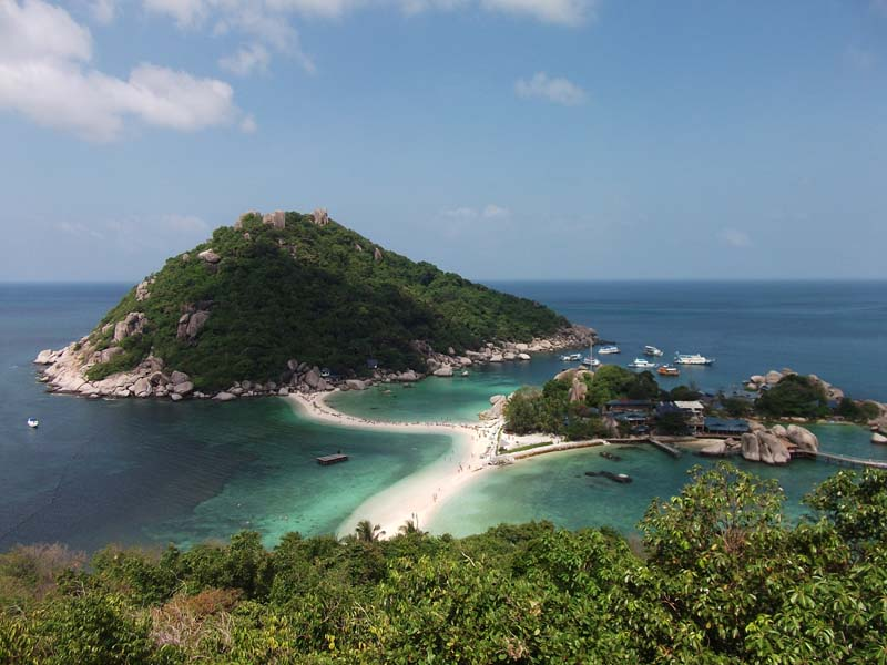 Thailand-Urlaub: Blick auf Nang Yuan bei Koh Tao