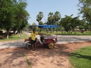 Freundlicher Tuk Tuk Fahrer in Sukhothai