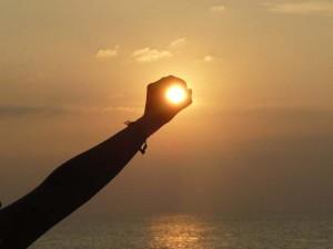 Sonnenuntergang bei Inselhopping in Thailand