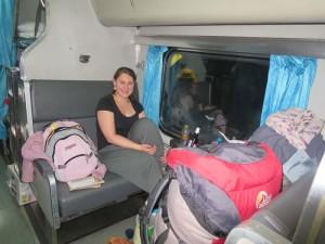 Mit dem Zug durch Thailand-Reisende im Nachtzug