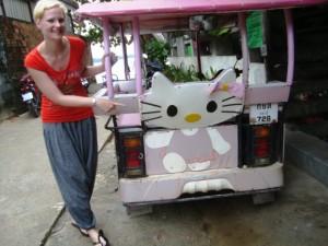 thailand-tuk-tuk-hello-kitty-saskia