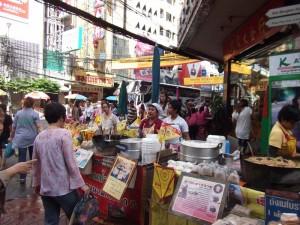 An den Garküchen in Chinatown finden Sie asiatische Spezialitäten