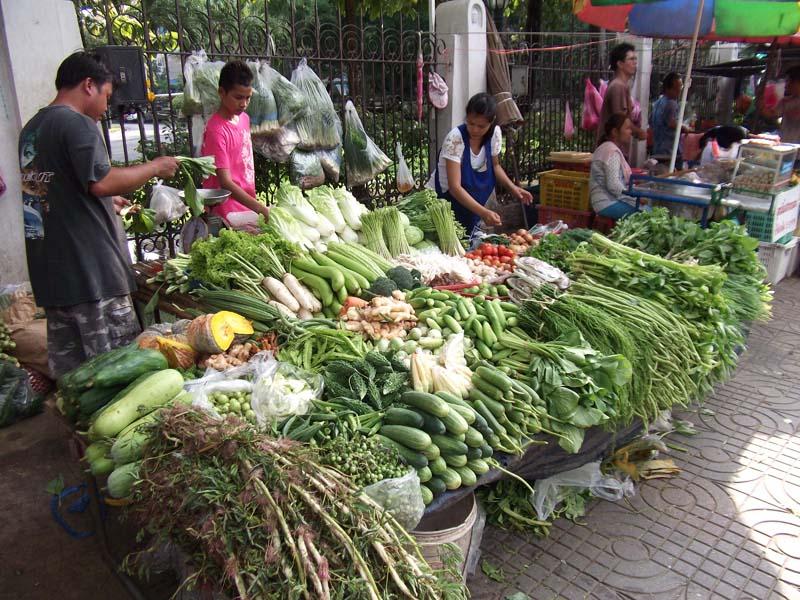 Ein Marktstand in Bangkok
