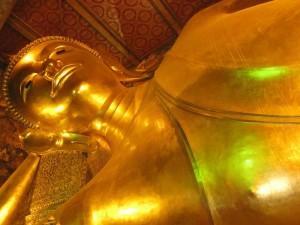 Der Liegender Buddha im Wat Pho in Bangkok