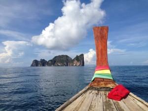 Mit dem Longtailboot zur Maya Bay