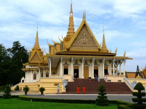 phnom-penh-palast-moenche