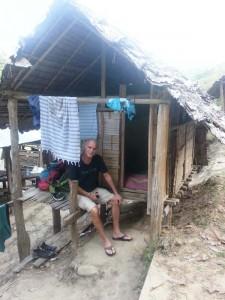 Unser Kunde in seiner einfachen Unterkunft Nähe Chiang Mai