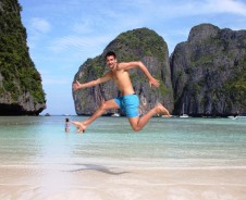 """The Beach"" – lebhaftes Koh Phi Phi"
