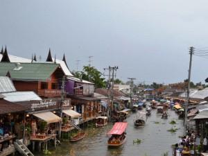 Schwimmender Markt in Amphawa
