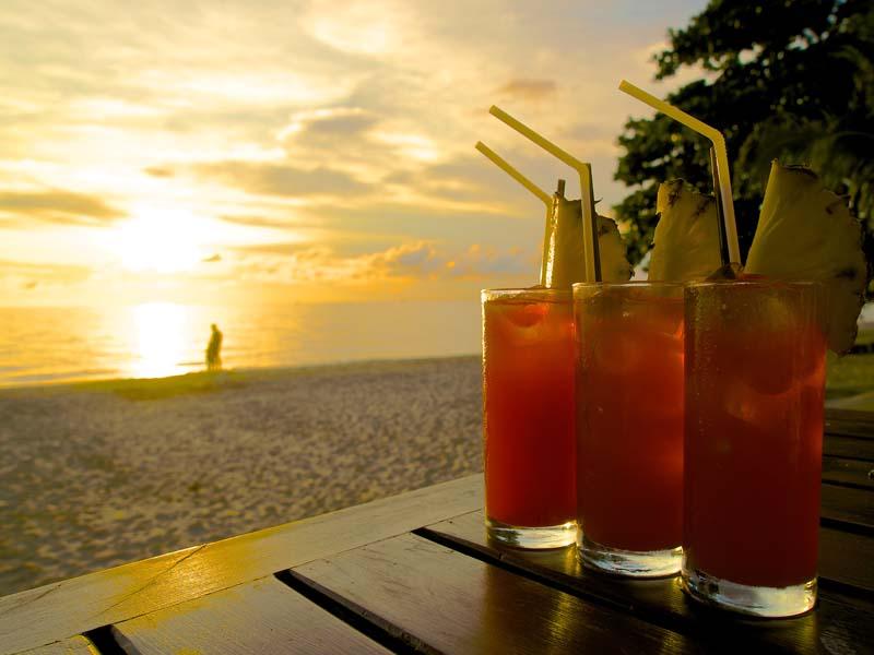 Cocktails genießen auf Koh Lanta