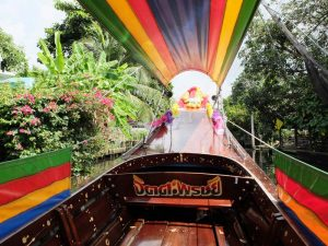 Mit dem Boot durch die Klongs von Bangkok