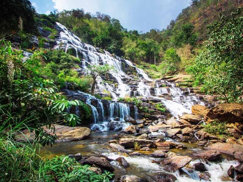 Chaing Mai Sehenswürdigkeit: Wasserfälle auf dem Weg zu Spitze