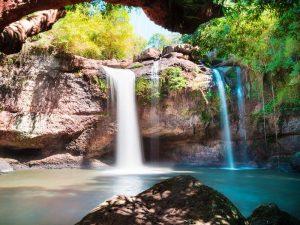 Besuch eines Wasserfalls im Khao Yai Nationalpark