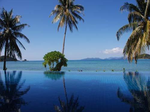 Pool im Hotel auf Koh Mak