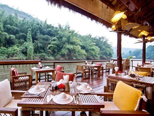 Restaurant im schwimmenden Hotel