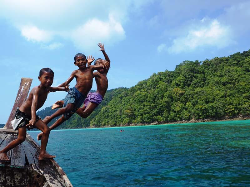 Kommen Sie in Kontakt mit den auf der Insel lebenden Moken