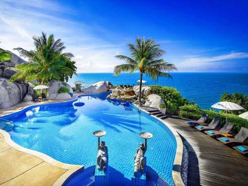 Ein Pool zum Entspannen im Hotel auf Koh Tao