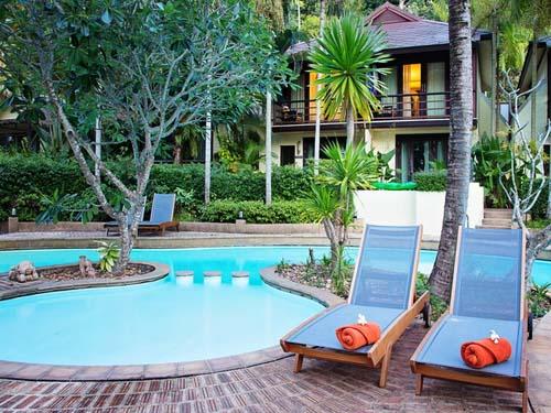 Erfrischender Pool im Hotel in Krabi