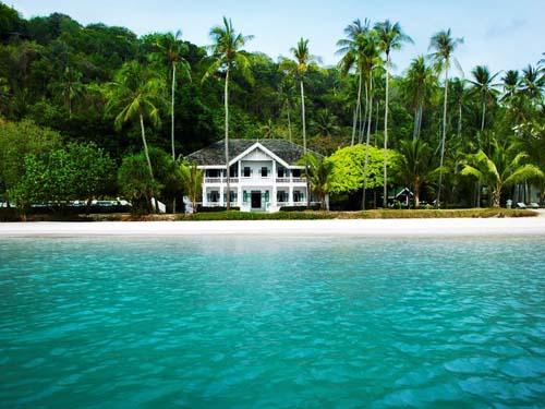 Komfortables Hotel am Strand von Phuket