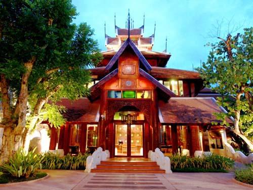 Eingang Ihrer Unterkunft im Thai Stil