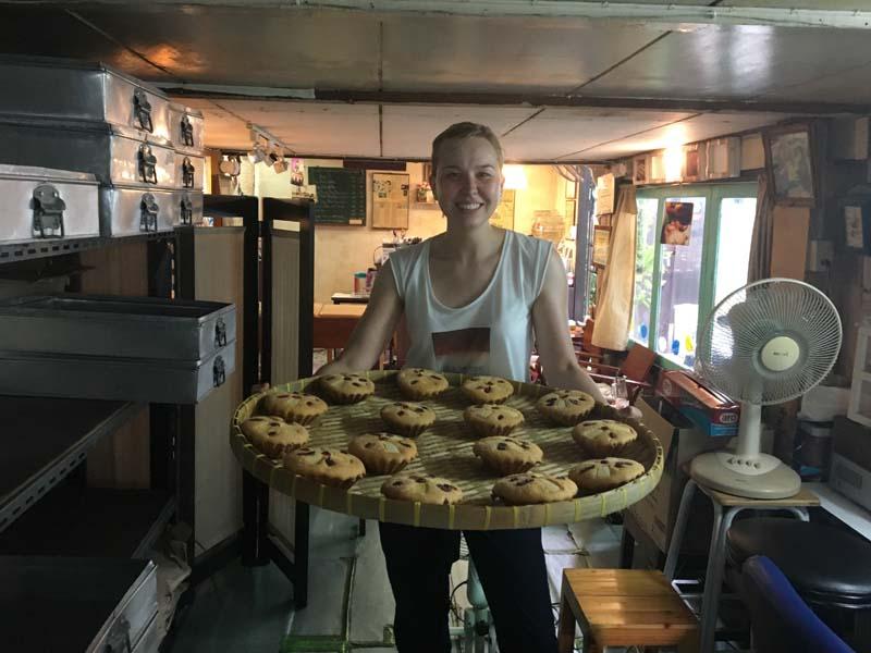 Reisespezialistin Marie in der portugiesischen Bäckerei