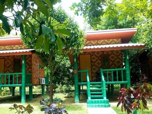Bungalow im grünen Garten
