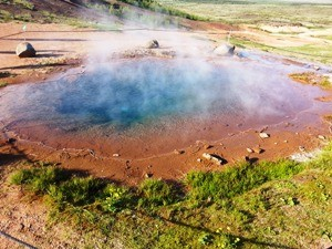 Bestaunen Sie den Geysir am Golden Circle
