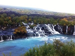 Hraunfossar Wasserfall in Südisland