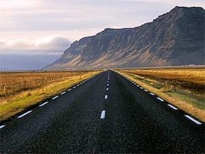 Leere Straßen und endlose Weite